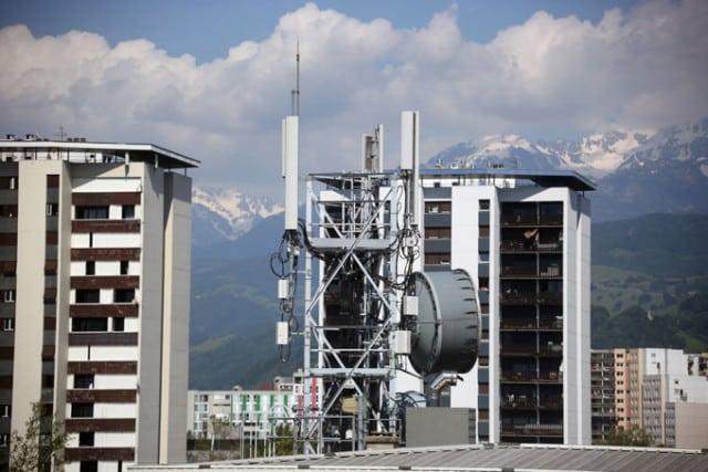 Antennes-relais dans la ZAC Beauvert à Grenoble. © Nils Louna