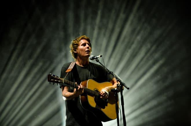 Les douces mélodies du songwriter britannique Ben Howard ont enchanté le public de Musilac, samedi 13 juillet.