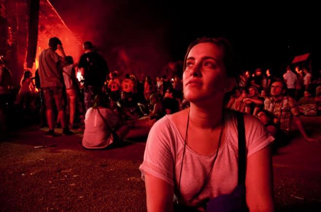 Les festivaliers ont ensuite veillé tard pour écouter Phoenix, Klaxons, et Paul KalkBrenner, samedi 13 juillet.