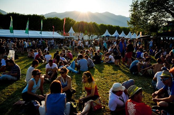 Le soleil se couche sur le public de Musilac, vendredi 12 juillet.