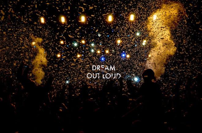 Explosion de confettis lors du concert de Thirty Seconds To Mars. Le groupe de Jared Leto a livré un show millimétré devant ses fans, vendredi 12 juillet.