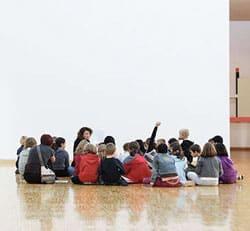 Ateliers avec de jeunes enfants. © Musée de Grenoble