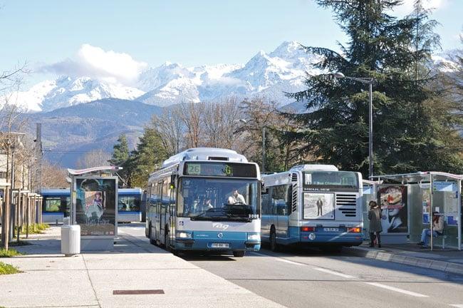 Transports SMTC : bus à Grenoble.