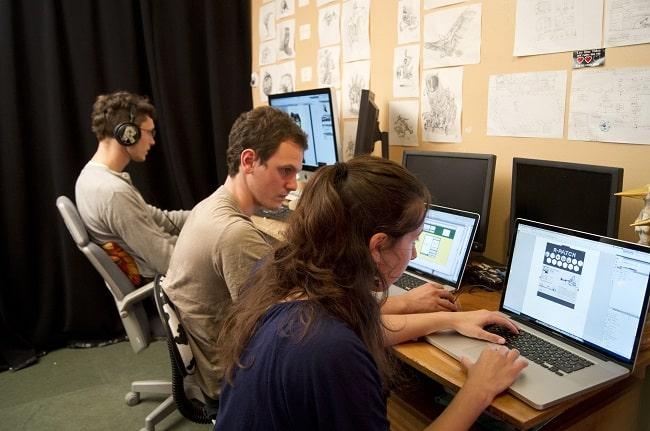 De gauche à droite: Gwenaël, Anthony et Camille, web designeuse