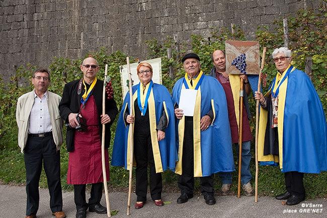 Rencontre avec les membres de La confrérie des Échalas, une association œuvrant pour la vitiviniculture iséroise.