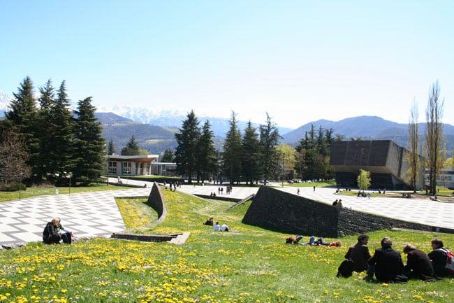 Beautés est le thème du Printemps des poètes. © Université de Grenoble
