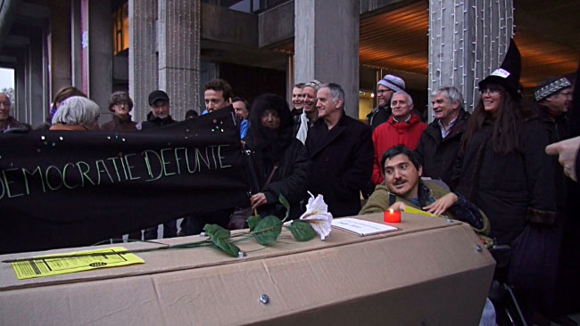 L'association Vivre à Grenoble a enterré la charte de la démocratie locale juste avant un conseil municipal polémique sur l'Esplanade