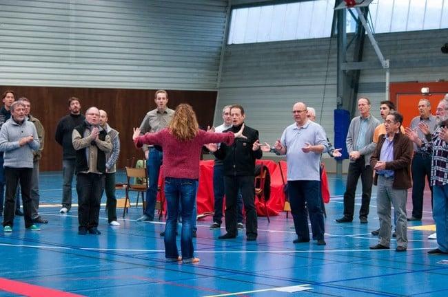 Première répétition du choeur au gymnase Louise Michel le 23 novembre dernier ©Théo Kosakevitch