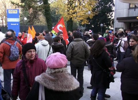 manifestation agents devant conseil général suite répression