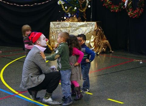 Le pôle solidarité de la Fédération de l'Isère du Secours populaire français organisait, du 20 au 23 décembre, son libre-service de Noël à Échirolles.