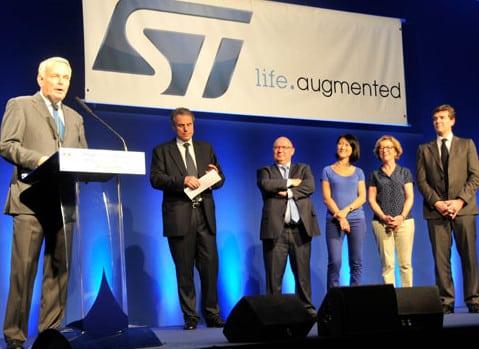 Jean-Marc Ayrault Fleur Pellerin Geneviève Fioraso et Arnaud Montebourg à STMicroelectronics Crolles pour le lancement de Nano 2017