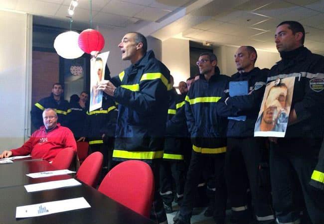Sapeurs pompiers du Sdis 38 au conseil municipal de Saint-Etienne-de-Crossey le 20 janvier 2014 avec un portrait de Quentin