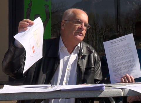 Conférence de presse Vivre à Grenoble sur l'Esplanade à Grenoble