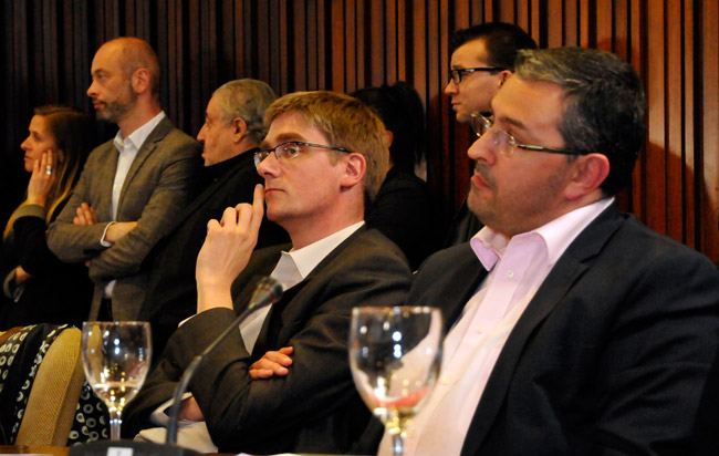Olivier Noblecourt aux côtés de Jérôme Safar, lors du premier conseil municipal de la nouvelle majorité © Muriel Beaudoing - Place Gre'net