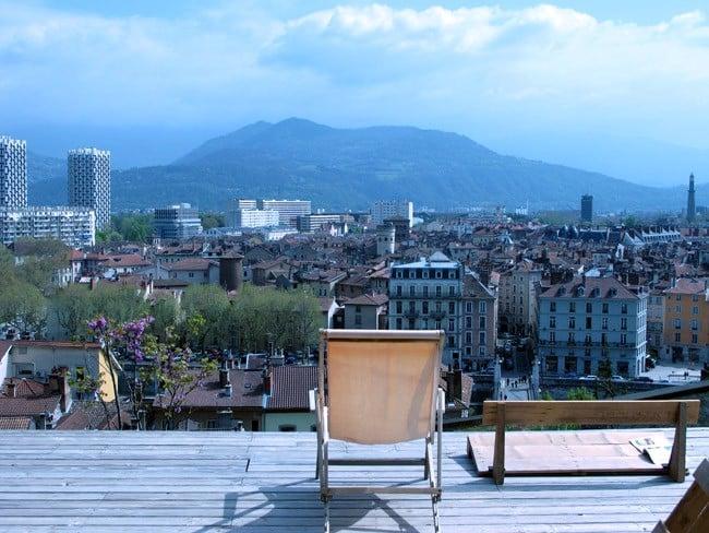 Jardin des Cairns Bastille Grenoble chaise longue