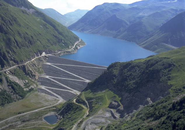 La CGT énergie bloque le barrage de Grand'Maison. Barrage de Grand'Maison. DR