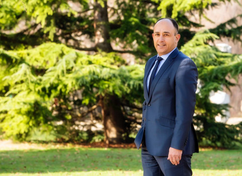 Abderrahmane Djellal ancien adjoint à la ville de Grenoble et président de la mission locale de Grenoble sous la troisième municipalité Destot