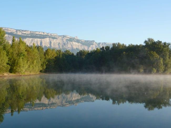 Le lac de La Taillat sur le territoire de Meylan, un espace naturel que Philippe Cardin juge menacé par les pesticides. © www.peche-isere.com