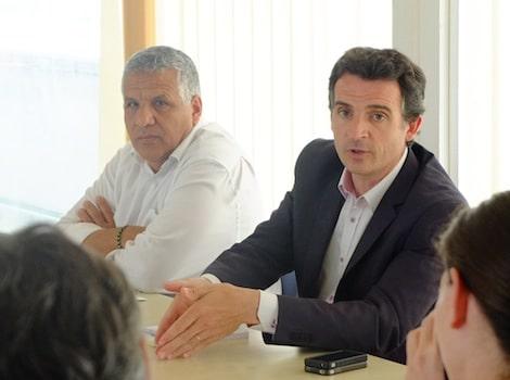 Eric Piolle et Hakim Sabri, adjoint aux finances à la ville de Grenoble. © Victor Guilbert - placegrenet.fr