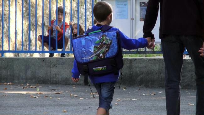 Enfants à l'école. © Joël Kermabon – placegrenet.fr