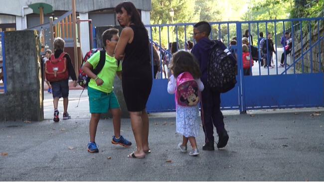 Des dérogations sont possibles en cas de changement d'adresse entre la maternelle et l'école élémentaire © Joël Kermabon – Place Gre'net