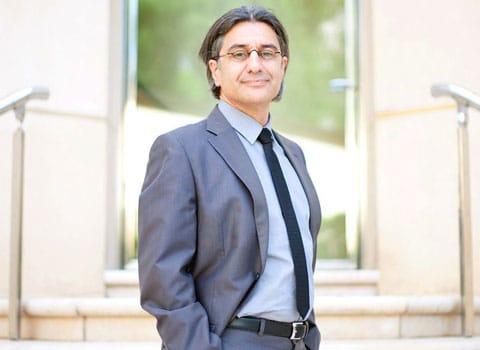 Albert Asséraf, directeur général stratégie, études, marketing France chez JCDecaux réagit à la perte du contrat de l'affichage publicitaire de la ville de Grenoble suite à l'élection de l'écologiste Eric Piolle.