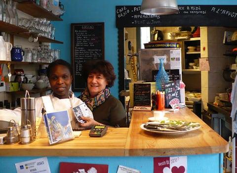 Viérise, salariée et Caroline Heysch dans le restaurant A l'Affut à Grenoble © Delphine Chappaz - placegrenet.fr