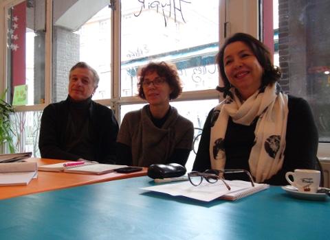 De gauche à droite : Paul Bron, Sylvie Barnezet, Bahija Ferhat - © Joël Kermabon - placegrenet.fr