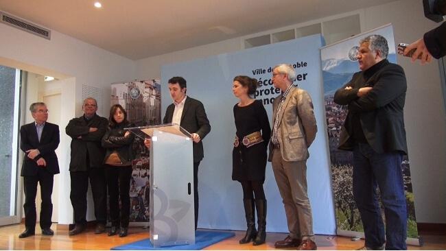 Klaus Habfast, Sadok Bouzaienen Élisa Martin, Éric PIolle, Mondane Jacta, Jacques Wiart, Hakim Sabri - © Joël Kermabon - placegrenet.fr