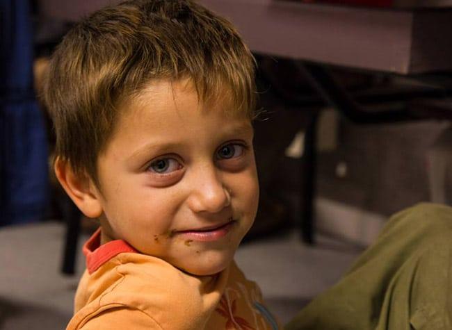 Enfant rom © École Ici et maintenant