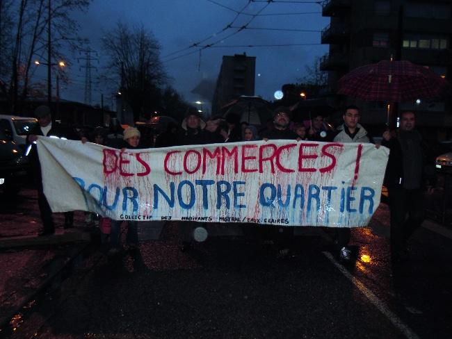 Manifestation du 27 novembre 2013 contre la fermeture du Lidl quartier Mistral à Grenoble © Karim Kadri