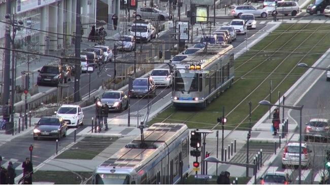 Trams sur le cours Jean Jaurès vers la gratuité des transports dans l'agglomération grenobloise ?