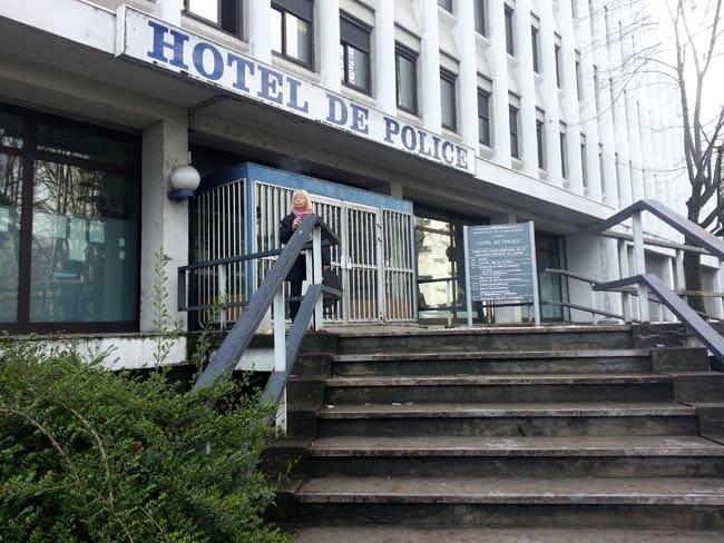 Entrée de l'hôtel de police de Grenoble. © SH
