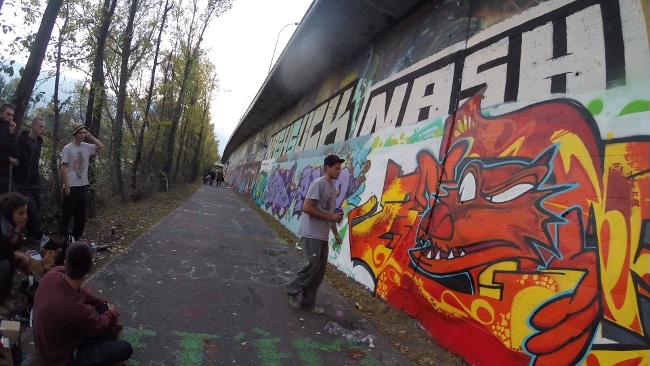 Jam de graffitis sur les quais de l'Isère