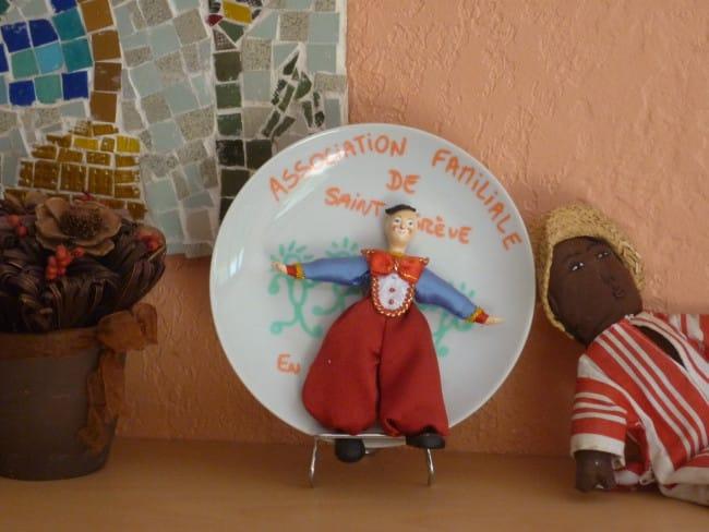 Assiette décorative de l'association familiale de Saint-Egreve.