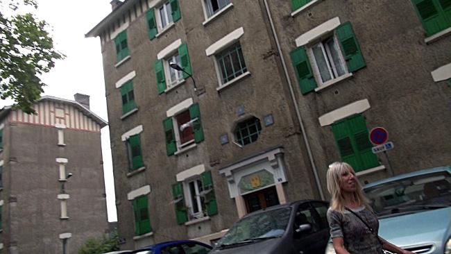 1000 logements réhabilités par an ? Ici un logement insalubre dans les Vieilles Cités, quartier de Abbaye-Jouhaux. © Véronique Magnin - Place Gre'net