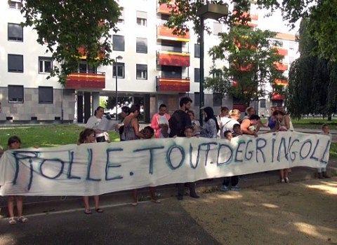 Banderole Piolle tout dégringole - logements sociaux Actis à L'Abbaye à Grenoble