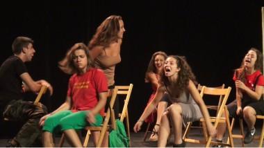 Pourquoi moi ? Une pièce du Forn de teatre de Barcelone. © Joël Kermabon - Place Gre'net