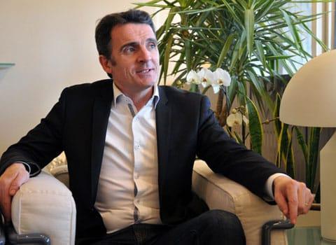 Eric Piolle maire de Grenoble dans son bureau de l'hôtel de ville en mars 2015 © Paul Turenne - placegrenet.fr