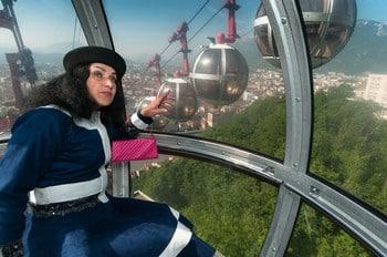 La balade théâtralisée « Panique au Téléphérique » est à découvrir jusqu'au 26 août. © Office de Tourisme de Grenoble