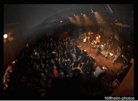 Les salles de concerts du quartier Chorier-Berriat sont autorisées à ouvrir tardivement jusqu'à la mi-janvier. © Niflheim-photos