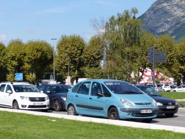 Traffic jam near La Porte de France in Grenoble. © Elodie Rummelhard - placegrenet.fr