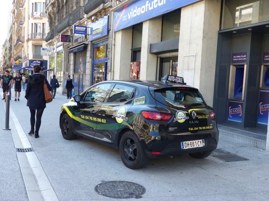 Auto école à Grenoble. © Elodie Rummelhard - placegrenet.fr