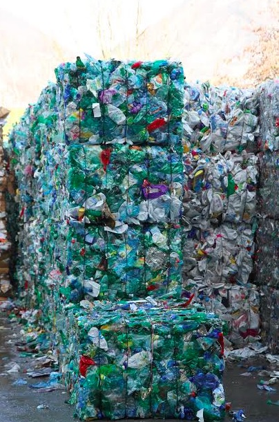 Recyclage plastique au centre de tri Athanor © Grenoble-Alpes Métropole