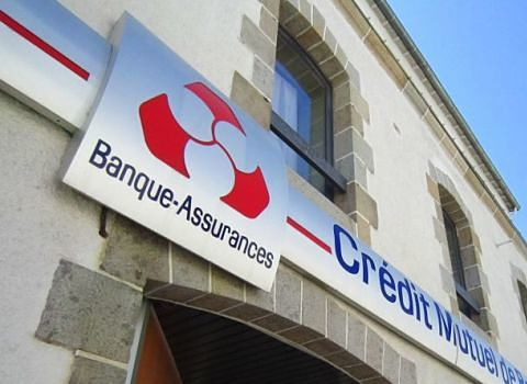 Enseigne Banque-Assurances Crédit Mutuel. DR