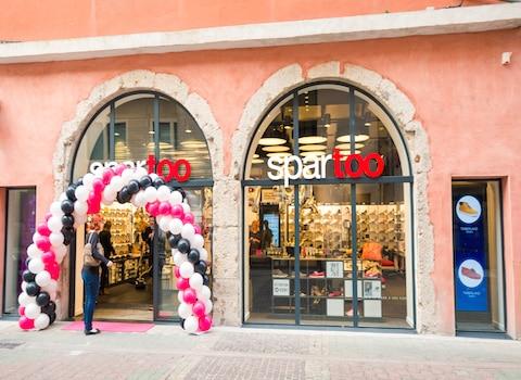 Le magasin Spartoo ouvert en mars 2015 dans le centre-ville de Grenoble. © Pierre Jayet
