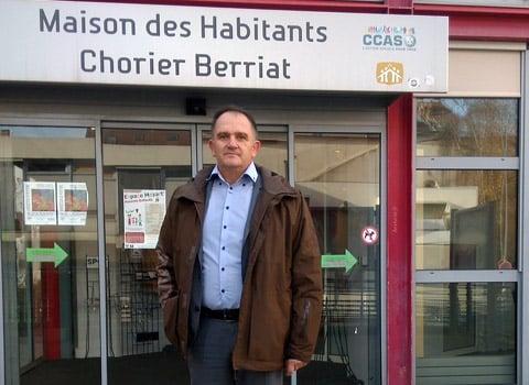 Bruno Fave, président de l'association de la maison des habitants Chorier Berriat. © Florent Mathieur - placegrenet.fr