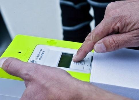 Le nouveau compteur électrique communicant d'ERDF est contesté. A Grenoble, un collectif réclame un référendum. Crédit ERDF