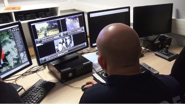 Le PC vidéosurveillance de la police municipale de Meylan. © Joël Kermabon - Place Gre'net