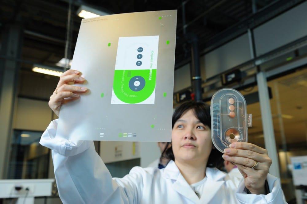 La plastronique, au croisement entre électronique et plasturgie, pour un plastique intelligent ? © Schneider Electric